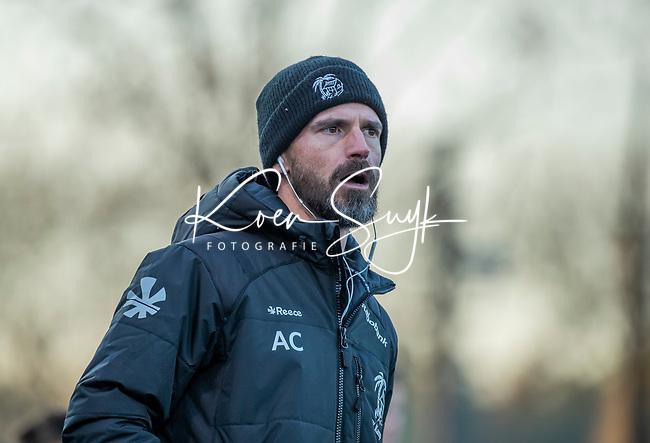 UTRECHT - coach Alexander Cox (Kampong)  tijdens de hoofdklasse hockeywedstrijd mannen, Kampong-Amsterdam (4-3). COPYRIGHT KOEN SUYK