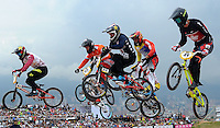 MEDELLIN- COLOMBIA -29-05-2016: Aspecto de las competencias en la categoría elite en el marco del Campeonato Mundial de BMX 2016 que se realiza entre el 25 y el 29 de mayo de 2016 en la ciudad de Medellín. / Aspect of competencies in Elite´s category as part of the 2016 BMX World Championships to be held between 25 and 29 May 2016 in the city of Medellin. Photo: VizzorImage / Cristian Alvarez / Cont.