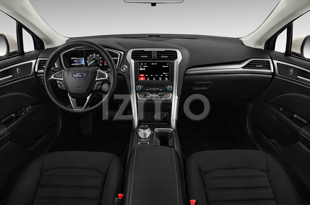 Stock photo of straight dashboard view of a 2018 Ford Fusion SE 4 Door Sedan