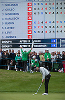 22.05.2015. Wentworth, England. BMW PGA Golf Championship. Round 2.  Alvaro Quiros [ESP] putts on the 18th green