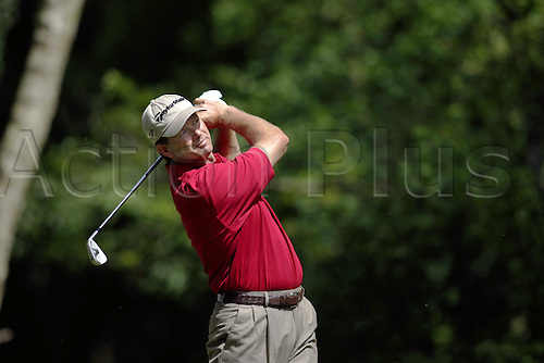 25 May 2006: South African golfer Retief Goosen (RSA) watches his shot from the 5th Tee during the first round of the BMW Championship, played on the West Course at Wentworth. Photo: Glyn Kirk/Actionplus...060525 golf man male