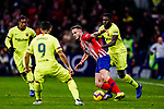 Saul Niguez of Atletico de Madrid (C) fights for the ball with Samuel Umtiti of FC Barcelona (R) during the La Liga 2018-19 match between Atletico Madrid and FC Barcelona at Wanda Metropolitano on November 24 2018 in Madrid, Spain. Photo by Diego Souto / Power Sport Images