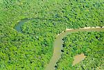 Vista a&eacute;rea do Rio Kuluene em meio a Floresta Amaz&ocirc;nica | Aerial view of the Kuluene River amid the Amazon Rainforest<br /> <br /> LOCAL: Quer&ecirc;ncia, Mato Grosso, Brasil <br /> DATE: 07/2009 <br /> &copy;Pal&ecirc; Zuppani