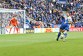 9th September 2017, King Power Stadium, Leicester, England; EPL Premier League Football, Leicester City versus Chelsea; Jamie Vardy of Leicester City crosses the ball low and hard from the left edge of the box