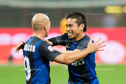 "(L-R) Esteban Cambiasso, Yuto Nagatomo (Inter), SEPTEMBER 30, 2012 - Football / Soccer : Esteban Cambiasso, Yuto Nagatomo of Inter celebrate their 1st goal during the Italian ""Serie A"" match between Inter Milan 2-1 Fiorentina at Stadio Giuseppe Meazza in Milan, Italy. (Photo by Enrico Calderoni/AFLO SPORT) [0391]"