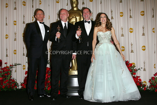 "WWW.ACEPIXS.COM . . . . .  ....February 22, 2009. Hollywood, CA....Actor Daniel Craig, winners for Best Art Direction for ""The Curious Case of Benjamin Button"" Donald Graham Burt and Victor J. Zolfo, and Sarah Jessica Parker poses at the 81st Annual Academy Awards press room held at the Kodak Theater on February 22, 2009 in Hollywood, CA.......Please byline: Z09- ACEPIXS.COM.... *** ***..Ace Pictures, Inc:  ..Philip Vaughan (646) 769 0430..e-mail: info@acepixs.com..web: http://www.acepixs.com"