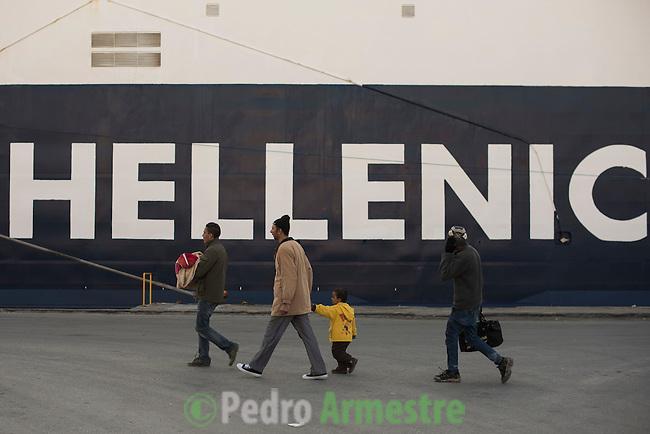 2015/12/05. Mytilene, Lesbos. Grecia. <br /> Three months after the death of Aylan Kurdi, Save the Children remember that the security of the borders can not be above the rights of refugees. Only in Greece, 728,000 refugees have arrived this year, 26% are children. Most small boats have arrived in the Greek island of Lesbos from Turkey. Pedro Armestre / Save the Children.<br /> Tres meses despu&eacute;s de la muerte de Aylan Kurdi, Save the Children recuerda que la seguridad de las fronteras no puede estar por encima de los derechos de los refugiados. Solo a Grecia han llegada m&aacute;s 728.000 personas refugiadas en lo que va de a&ntilde;o, el 26% son ni&ntilde;os. La mayor&iacute;a han llegado en peque&ntilde;as embarcaciones a la isla griega  de Lesbos procedentes de Turqu&iacute;a. Desde la muerte de Aylan m&aacute;s de 120 ni&ntilde;os han muerto en el mar intentando llegar a Europa. <br />  &copy; Pedro Armestre/ Save the Children Handout. No ventas -No Archivos - Uso editorial solamente - Uso libre solamente para 14 d&iacute;as despu&eacute;s de liberaci&oacute;n. Foto proporcionada por SAVE THE CHILDREN, uso solamente para ilustrar noticias o comentarios sobre los hechos o eventos representados en esta imagen.<br /> &copy; Pedro Armestre/ Save the Children Handout - No sales - No Archives - Editorial Use Only - Free use only for 14 days after release. Photo provided by SAVE THE CHILDREN, distributed handout photo to be used only to illustrate news reporting or commentary on the facts or events depicted in this image.
