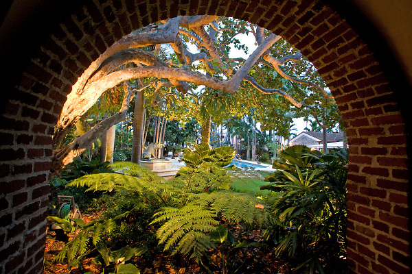 Harris Barnes Garden Miami Beach by Robert Parsley. Photo by Robin Hill (c)