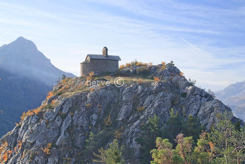 France, Hautes-Alpes, Saint-Martin-de-Queyrières, chapelle Saint-Hippolyte // France, Hautes Alpes, Saint Martin de Queyrieres, chapel St. Hippolyte
