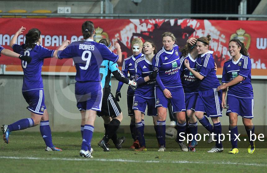Waasland Beveren Sinaai Girls - RSC Anderlecht : vreugde bij Anderlecht na de 0-2 van Sophie Mannaert.foto DAVID CATRY / Nikonpro.be