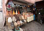 Gewürzstand im Bazar, Marrakesch, Marokko
