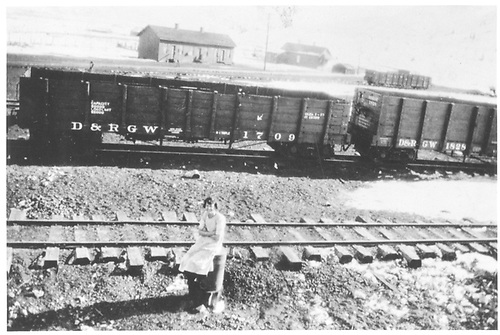 D&amp;RGW gondolas in the Crested Butte yard on NW leg of wye.<br /> D&amp;RGW  Crested Butte Yard, CO  1/25/1925