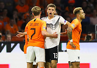 Thomas Mueller (Deutschland Germany) gegen Frenkie De Jong (Niederlande) - 13.10.2018: Niederlande vs. Deutschland, 3. Spieltag UEFA Nations League, Johann Cruijff Arena Amsterdam, DISCLAIMER: DFB regulations prohibit any use of photographs as image sequences and/or quasi-video.
