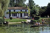 Europe/France/Poitou-Charentes/79/Deux-Sèvres/Coulon: Marais poitevin et maison maraichine<br /> PHOTO D'ARCHIVES // ARCHIVAL IMAGES<br /> FRANCE 1990
