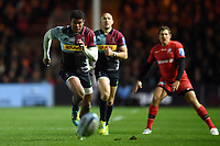 Nathan Earle of Harlequins chases after the ball. Gallagher Premiership match, between Harlequins and Saracens on October 6, 2018 at the Twickenham Stoop in London, England. Photo by: Patrick Khachfe / JMP