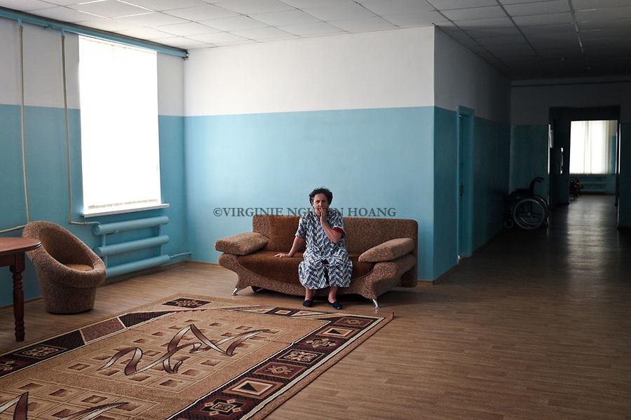 UKRAINE, Myrne: Inside a housing for elderly and disabled people situated at only 3 km from the frontline of Hranitne, 65 km from Mariupol.  All the people inside the place are well treated but the employers are not getting paid since last January as none authorities are taking the responsibility of it...<br /> <br /> UKRAINE, Myrne: Int&eacute;rieur d'un logement pour les personnes &acirc;g&eacute;es et les handicap&eacute;s situ&eacute;s &agrave; seulement 3 km de la ligne de front de Hranitne,65 km de Mariupol. Tous les r&eacute;sidents sont bien trait&eacute;s, mais les employeurs n'ont pas &eacute;t&eacute; pay&eacute;s depuis janvier dernier car aucune autorit&eacute;s prend la responsabilit&eacute; de cet hospice.
