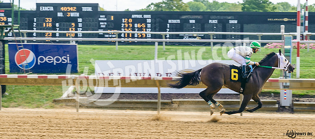 Church Monkey winning at Delaware Park on 9/2/16