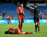 CALI - COLOMBIA, 02-10-2019: Jonathan Ortiz, árbitro, durante partido por la fecha 14 de la Liga Águila II 2019 entre América de Cali y Atlético Huila jugado en el estadio Pascual Guerrero de la ciudad de Cali. / Jonathan Ortiz, referee, during the match for the date 14 as part of Aguila League II 2019 between America de Cali and Atletico Huila played at Pascual Guerrero stadium in Cali. Photo: VizzorImage / Nelson Rios / Cont