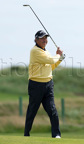 25/07/2010  Eduardo Romero (ARG) in action in the final round of the Mastercard British Senior Open Golf Championship on the Championship Course at Carnoustie, Angus, Scotland