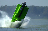 Frame 9: Jeff Shepherd blows over his Hoffman SST-120 boat during a qualifying run..PROP-Cypress Gardens Shootout, Winter Haven, Florida, USA 22 October,2000 copyright©F.Peirce Williams 2000..F.Peirce Williams .photography.P.O.Box 455  Eaton,OH 45320 USA.p: 317.358.7326  e: fpwp@mac.com