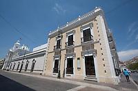 la moderna Plaza bicentenario  podria ser una considerada una prueba de que  Hemosillo en verdad si es una  de las ciudades con mayor  futuro el Latino america