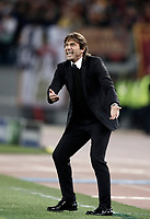 Football Soccer: UEFA Champions League AS Roma vs Chelsea Stadio Olimpico Rome, Italy, October 31, 2017. <br /> Chelsea's coach Antonio Conte speaks to his players during the Uefa Champions League football soccer match between AS Roma and Chelsea at Rome's Olympic stadium, October 31, 2017.<br /> UPDATE IMAGES PRESS/Isabella Bonotto