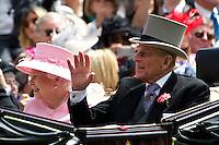 ASCOT, INGLATERRA, 20 JUNHO 2012 - ASCOT REAL - O príncipe Philip durante o segundo dia do Ascot Real, principal evento de corrida de cavalos da temporada, milhares de fás sao esperados nos cinco dias de evento que comecou ontem em Ascot na Inglaterra, nesta quarta-feira, 20. (FOTO: BILLY CHAPPEL /ALFAQUI / BRAZIL PHOTO PRESS).