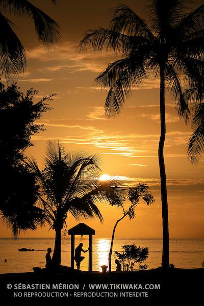 Coucher de soleil sur l'Anse-Vata, Nouméa