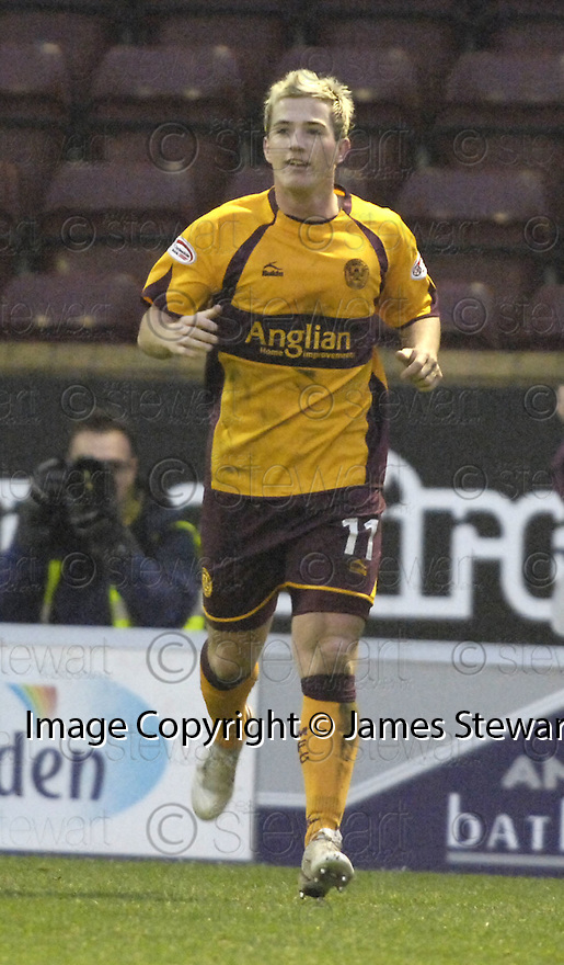 15/12/2007      Copyright Pic: James Stewart.File Name : sct_jspa24_motherwell_v_aberdeen.ROSS MCCORMACK.James Stewart Photo Agency 19 Carronlea Drive, Falkirk. FK2 8DN      Vat Reg No. 607 6932 25.Office     : +44 (0)1324 570906     .Mobile   : +44 (0)7721 416997.Fax         : +44 (0)1324 570906.E-mail  :  jim@jspa.co.uk.If you require further information then contact Jim Stewart on any of the numbers above.........