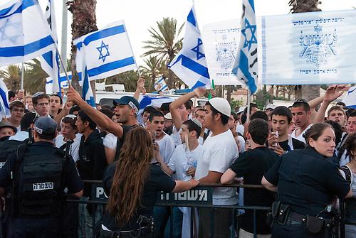Jerusalem, 1 Juin 2011. Une manifestation organisee par les colons juifs de Jerusalem. La colonisation de Jerusalem est particulierement tendue, tandis que des familles juives sont installees au coeur des quartiers palestiniens, avec le soutient et la protection armee des autorites israelienne.