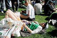 26 APR 2009 - LONDON,GBR - London Marathon. (PHOTO (C) NIGEL FARROW)