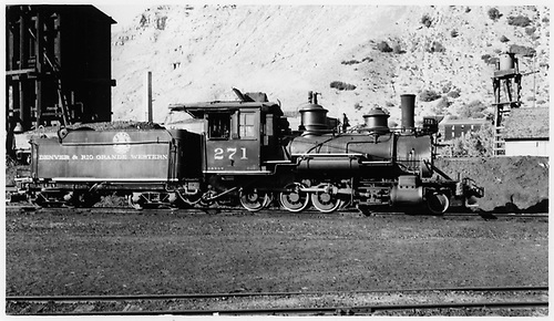 D&amp;RGW #271 switching at Durango.<br /> D&amp;RGW  Durango, CO  Taken by Maxwell, John W. - 6/4/1940