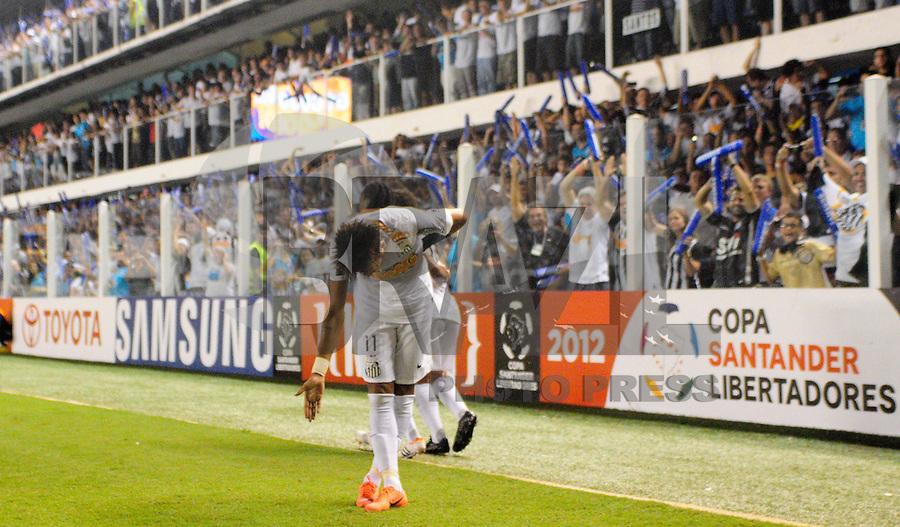 SANTOS, SP, 10 de MAIO DE- 2012_COPA SANTANDER LIBERTADORES- SANTOS X BOLIVAR -NEYMAR do Santos comemora gol durante partida. no estadio da Vila Belmiro  (FOTO: ADRIANO LIMA - BRAZIL PHOTO PRESS)