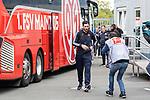 05.10.2019, Benteler Arena, Paderborn, GER, 1.FBL, SC Paderborn 07 vs 1. FSV Mainz 05<br /> <br /> DFL REGULATIONS PROHIBIT ANY USE OF PHOTOGRAPHS AS IMAGE SEQUENCES AND/OR QUASI-VIDEO.<br /> <br /> im Bild / picture shows<br /> Sandro Schwarz (Trainer 1. FSV Mainz 05) bei Ankunft am Stadion vor Mannschaftsbus, <br /> Schwarz ist der erste Bundesliga-Trainer, der nach dem neuen Regelwerk aufgrund einer Gelb-Roten Karte, nicht auf der Bank sitzen darf.<br /> <br /> Foto © nordphoto / Ewert