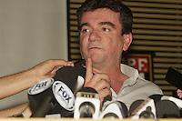FOTO EMBARGADA PARA VEICULOS INTERNACIONAIS - SAO PAULO, SP, 23 DE NOVEMBRO 2012 - COLETIVA ANDRES SANCHES - O diretor de Seleções da Confederacao Brasileira de Futebol (CBF), Andres Sanches concedeu entrevista coletiva a imprensa sobre a queda de Mano Menezes, como tecnico da selecao do Brasil, na tarde dessa sexta-feira, 23, sede da confederacao de futebol, na Barra Funda, zona oeste da capital  -  FOTO LOLA OLIVEIRA - BRAZIL PHOTO PRESS