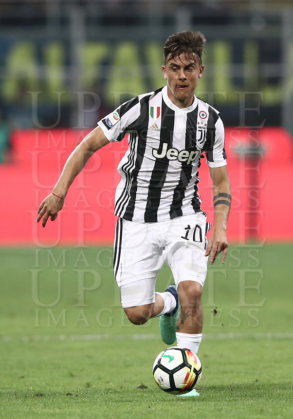 Calcio, Serie A: Inter - Juventus, Milano, stadio Giuseppe Meazza (San Siro), 28 aprile 2018.<br /> Juventus' Paulo Dybala  during the Italian Serie A football match between Inter Milan and Juventus at Giuseppe Meazza (San Siro) stadium, April 28, 2018.<br /> UPDATE IMAGES PRESS/Isabella Bonotto