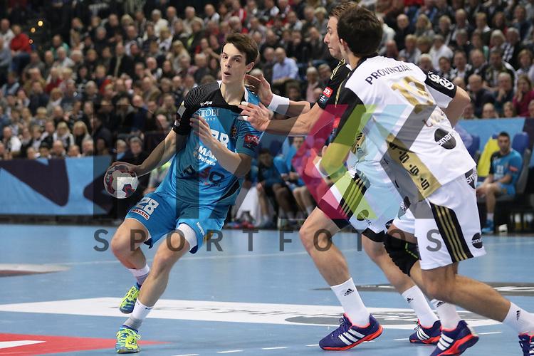 Kiel, 15.02.15, Sport, Handball, Champions League, Gruppenphase, THW Kiel - HC Metalurg Skopje : Filip Taleski (HC Metalurg Skopje, #28), Filip Jicha (THW Kiel, #39)<br /> , Rasmus Lauge (THW Kiel, #19)<br /> <br /> Foto &copy; P-I-X.org *** Foto ist honorarpflichtig! *** Auf Anfrage in hoeherer Qualitaet/Aufloesung. Belegexemplar erbeten. Veroeffentlichung ausschliesslich fuer journalistisch-publizistische Zwecke. For editorial use only.