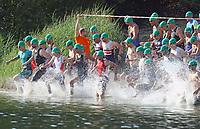 Erste Startergruppe startet beim MöWathlon am Badesee Walldorf bereit - Mörfelden-Walldorf 15.07.2018: 10. MöWathlon