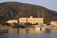 - Sardegna, isola dell' Asinara, il &quot;Palazzo Reale&quot; a Cala Reale<br /> <br /> - Sardinia, Asinara island, the &quot;Royal Palace&quot; at Cala Reale
