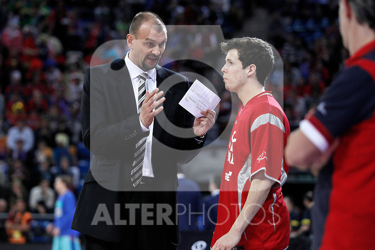 Caja Laboral Baskonia's coach Zan Tabak and Thomas Heurtel (r) during Spanish Basketball King's Cup semifinal match.February 07,2013. (ALTERPHOTOS/Acero)