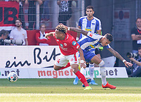 Pierre Kunde Malong (1. FSV Mainz 05) setzt sich durch - 14.09.2019: 1. FSV Mainz 05 vs. Hertha BSC Berlin, 4. Spieltag Bundesliga, OPEL Arena<br /> DISCLAIMER: DFL regulations prohibit any use of photographs as image sequences and/or quasi-video.
