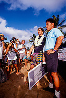 The winner of the 1991 Wyland Galleries Hawaiian Pro Tom Curren (USA) being interviewed by big wave surfer Mark Foo (HAW). circa 1991 Photo: joliphotos.com