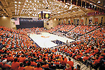 Sentinel/Dan Irving.Fans pack the new Hope College DeVos Fieldhouse to see the first men's and women's games on Saturday night. .(11/19/05)