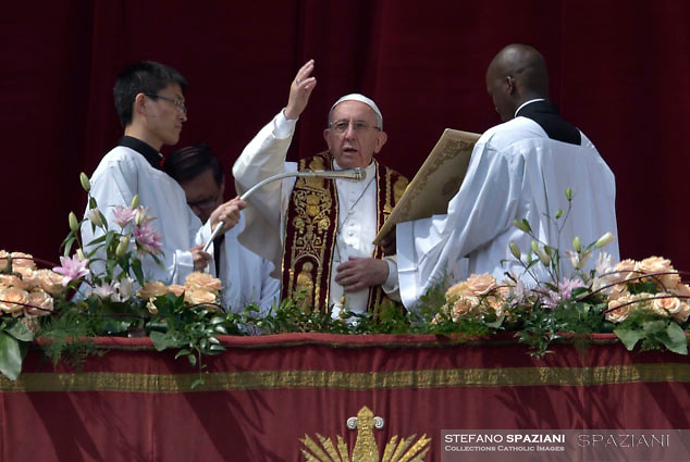 Pope Francis during the Sunday Easter mass 'Urbi et Orbi' (to the city and the world) benediction in Saint Peter's Square at the Vatica. 15 April 2017
