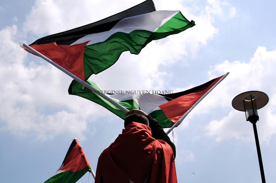 "Manifestation suite au raid de l'armee israelienne contre la flotille ""Liberte""..Demonstration to contest the israeli raid on the Gaza Freedom Flotilla."