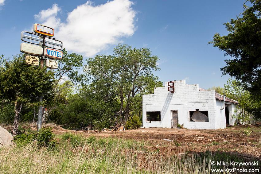 Abandoned motel in Rosalia, KS
