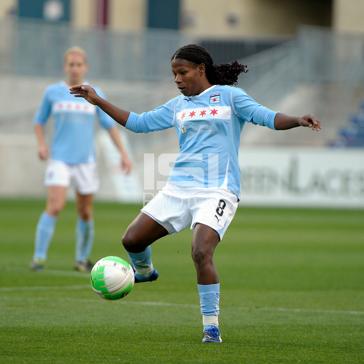 Chicago midfielder Formiga (8) plays the ball.  The Philadelphia Independence defeated the Chicago Red Stars 1-0 at Toyota Park in Bridgeview, IL on May 15, 2010.