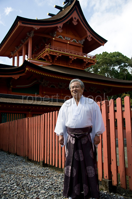 Photo shows the head priest NORIHIKO NAKAMURA outside the inner shrine at Fujisan Hongu Sengen Taisha in Fujinomiya City, Shizuoka Prefecture Japan on 01 Oct. 2012.  Photographer: Robert Gilhooly