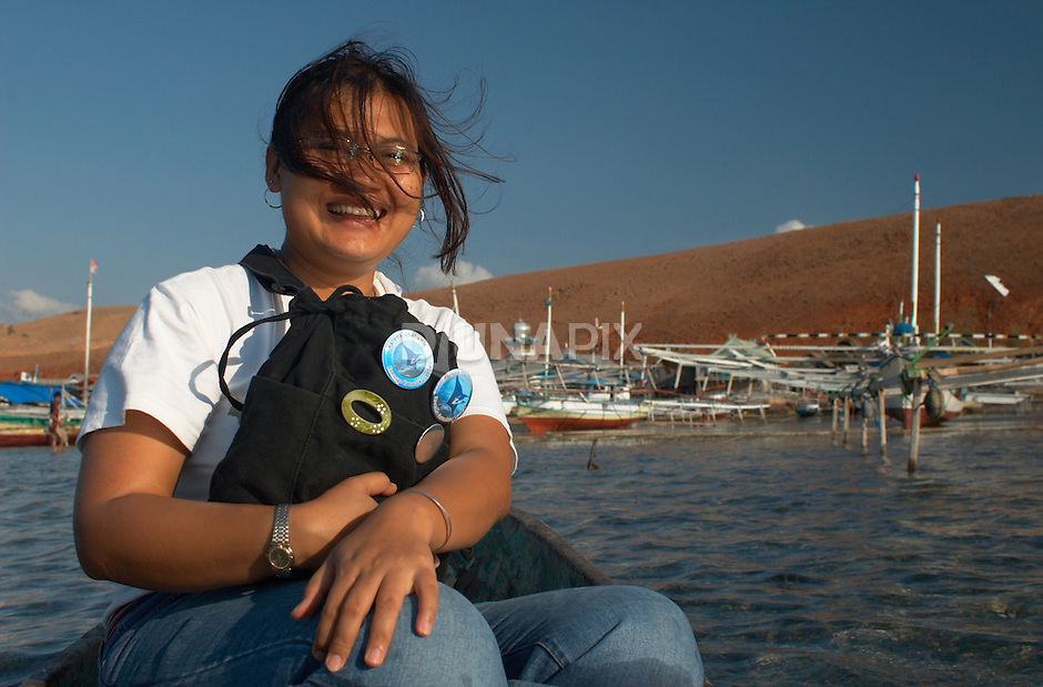 Hesti Widodo, RARE Pride Campaign Manager is always exuberant in the field. Papagaran island, Komodo National Park
