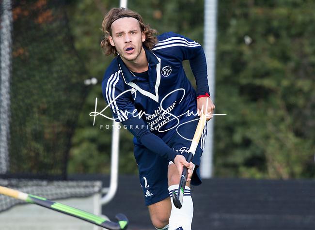 AMSTELVEEN - Pieter Sutorius van Pinoke   tijdens de hoofdklasse competitiewedstrijd hockey tussen de heren van Pinoké en Voordaan (3-0). COPYRIGHT KOEN SUYK